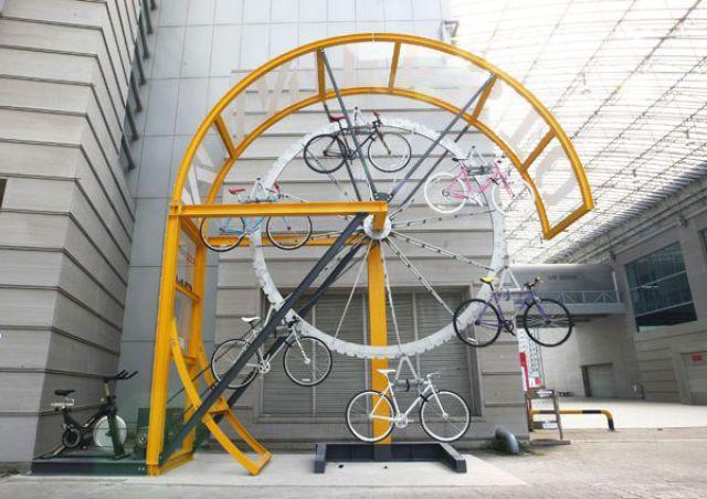 Do oryginalny stojak na rowery lover rover for Cool bike storage ideas